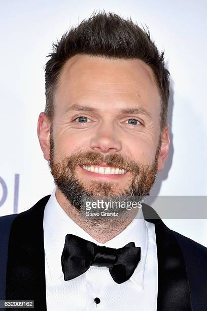 Host Joel McHale attends the People's Choice Awards 2017 at Microsoft Theater on January 18 2017 in Los Angeles California