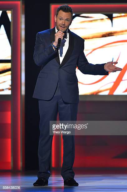 Host Joel McHale speaks onstage at the 2016 CFDA Fashion Awards at the Hammerstein Ballroom on June 6 2016 in New York City