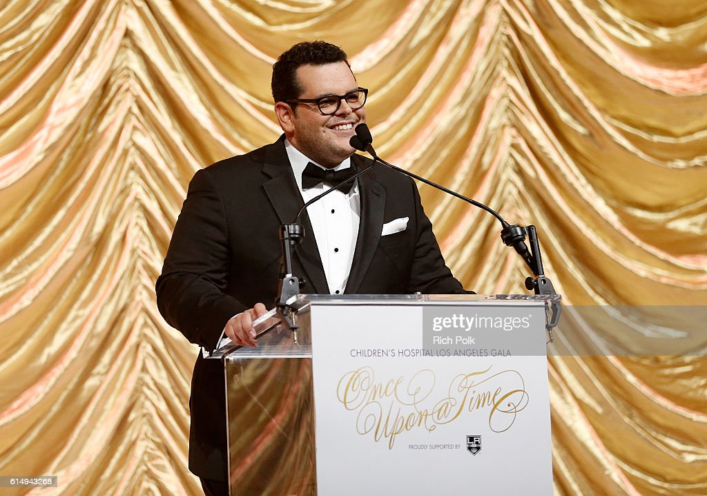 Host Josh Gad speaks onstage at the 2016 Children's Hospital Los Angeles 'Once Upon a Time' Gala at The Event Deck at L.A. Live on October 15, 2016 in Los Angeles, California.