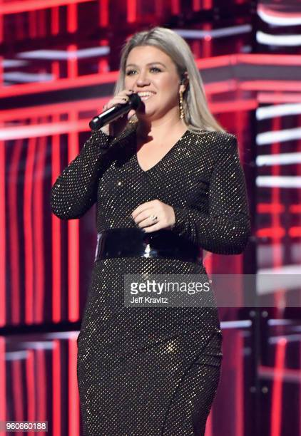Host Kelly Clarkson onstage during the 2018 Billboard Music Awards at MGM Grand Garden Arena on May 20 2018 in Las Vegas Nevada
