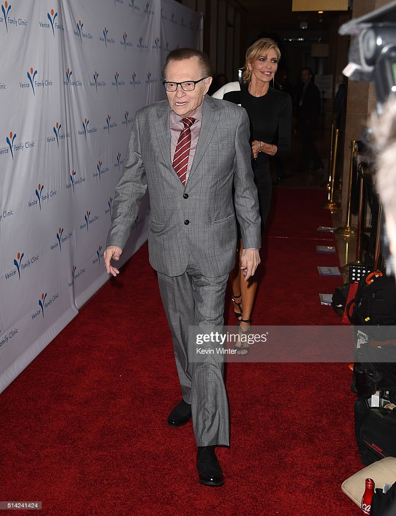 Host Larry King attends the Venice Family Clinic Silver Circle Gala 2016 honoring Brett Ratner and Bill Flumenbaum at The Beverly Hilton Hotel on March 7, 2016 in Beverly Hills, California.