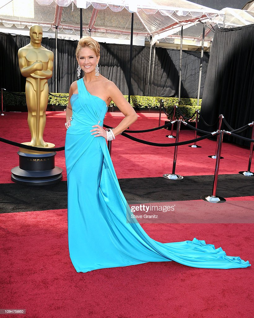 TV host Nancy O'Dell arrives at the 83rd Annual Academy Awards held at the Kodak Theatre on February 27, 2011 in Hollywood, California.