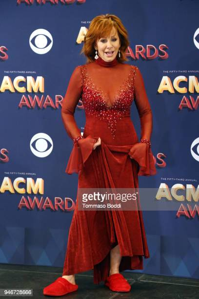 Host Reba McEntire poses in the press room during the 53rd Academy of Country Music Awards at MGM Grand Garden Arena on April 15 2018 in Las Vegas...