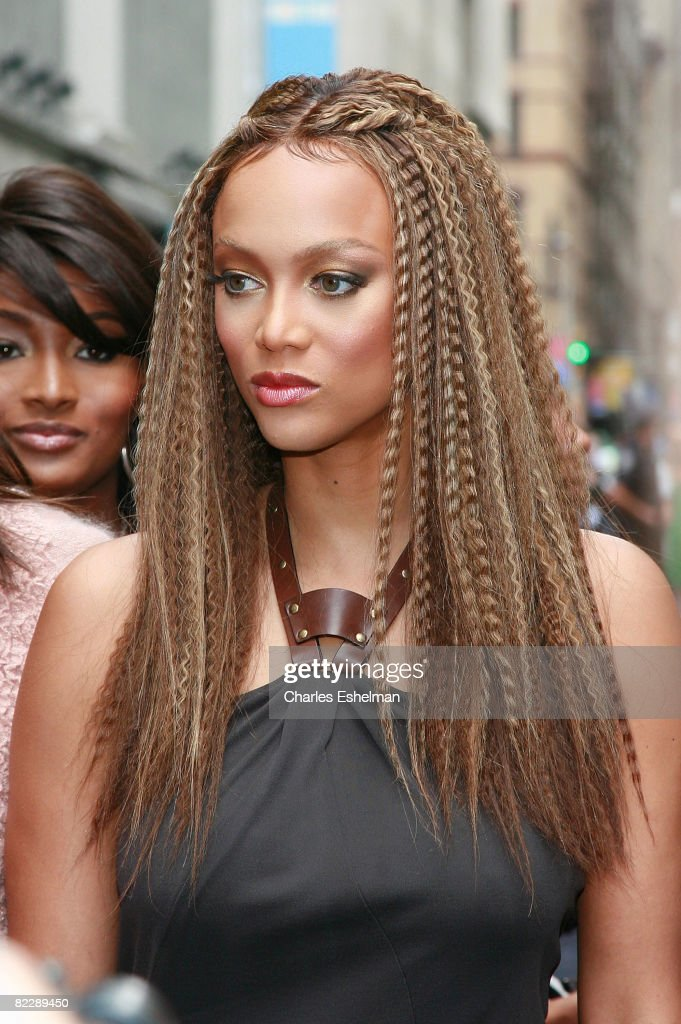 """The Tyra Banks Show"" Celebrates the First All Black Model Issue of Vogue Italia : News Photo"