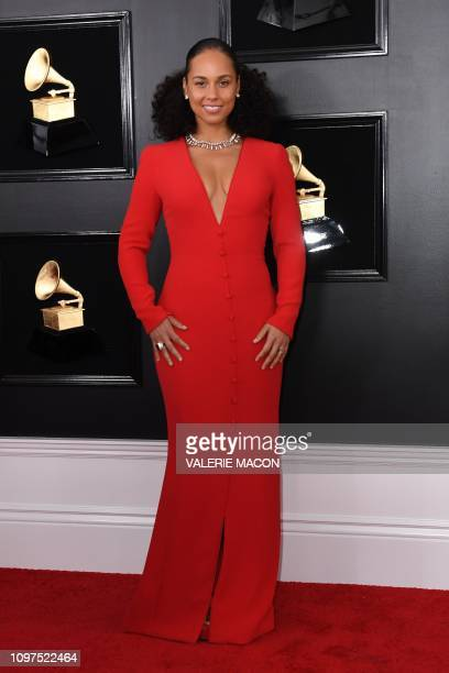 Host US singersongwriter Alicia Keys arrives for the 61st Annual Grammy Awards on February 10 in Los Angeles