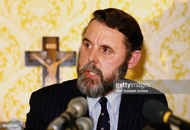 Hostage negotiator Terry Waite gives a press conference in Britain after facilitating the release of hostages from Beirut, 17th November 1986.