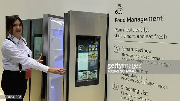 294 Samsung Home Appliance Photos And Premium High Res Pictures Getty Images