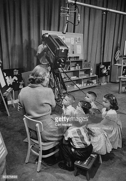 Romper Room Pictures and Photos | Getty Images