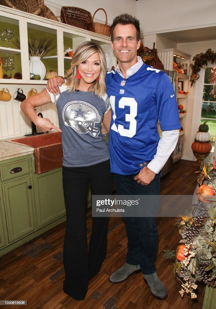 Fotos E Imagens De Celebrities Visit Hallmark S Home Family