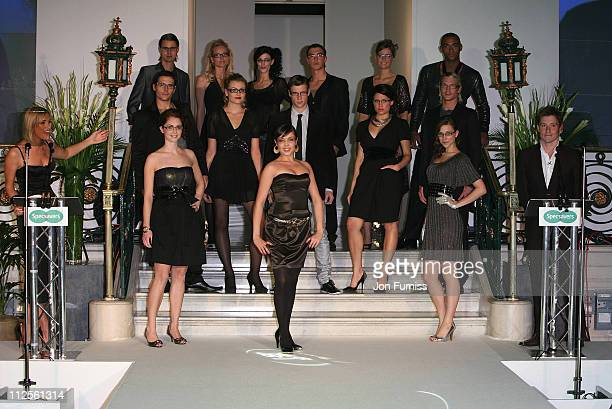 Hosts Jenni Falconer and Ben Shephard with the grand finalists during the Specsavers Spectacle Wearer Of The Year 2007 Awards in aid of Diabetes UK...