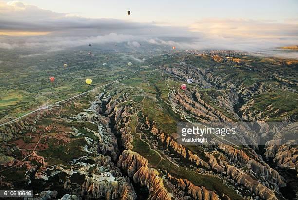hot air ballons over cappadocia,turkey. - ネヴシェヒル県 ストックフォトと画像