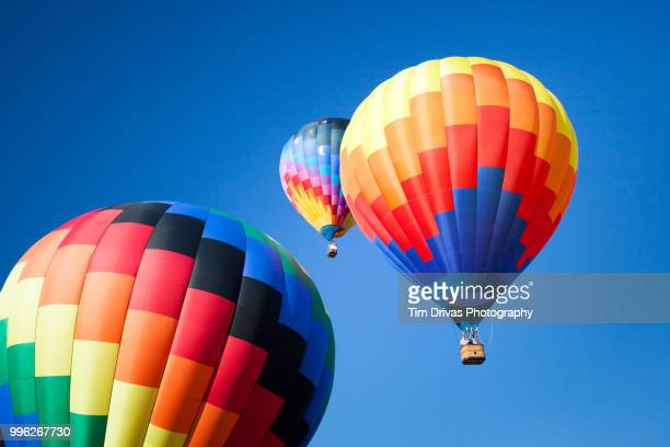 hot air ballons - balloon ride stock pictures, royalty-free photos & images