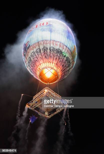 hot air balloon at the taunggyi hot-air ballon festival, myanmar - dietmar temps stock photos and pictures