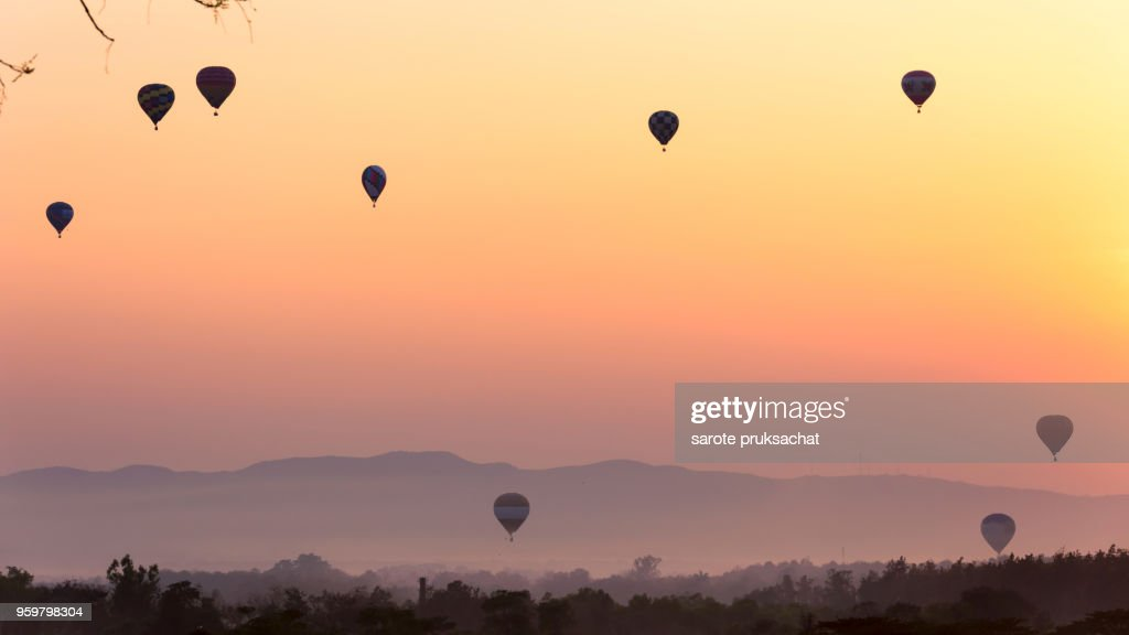 Hot Air Balloon in morning at Chiang Rai Thailand . : Stock-Foto