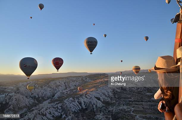CONTENT] Hot Air Ballooning overlooking landscape of Göreme