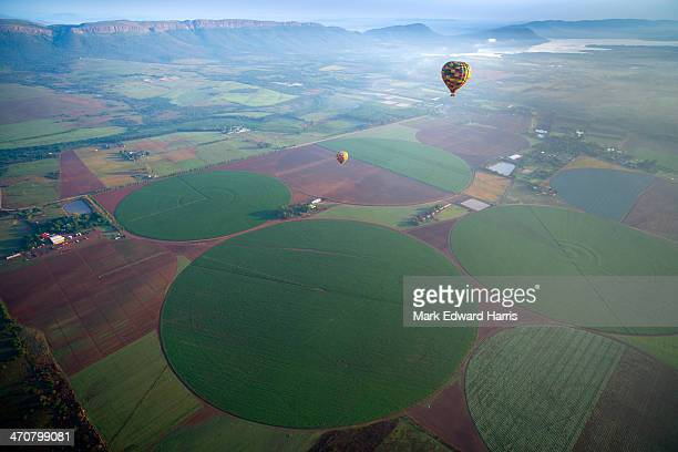 hot air ballooning, south africa - crop circle stock pictures, royalty-free photos & images