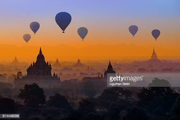 Heißluftballon in Bagan, Myanmar
