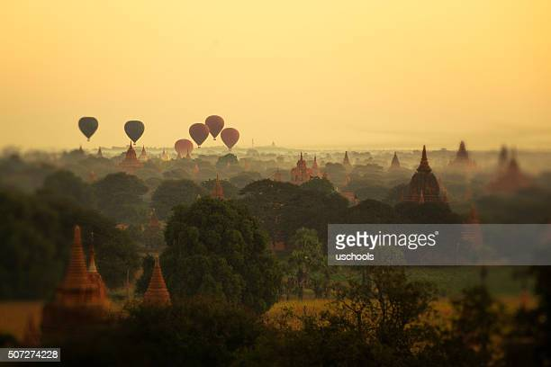 Heißluftballon in Bagan