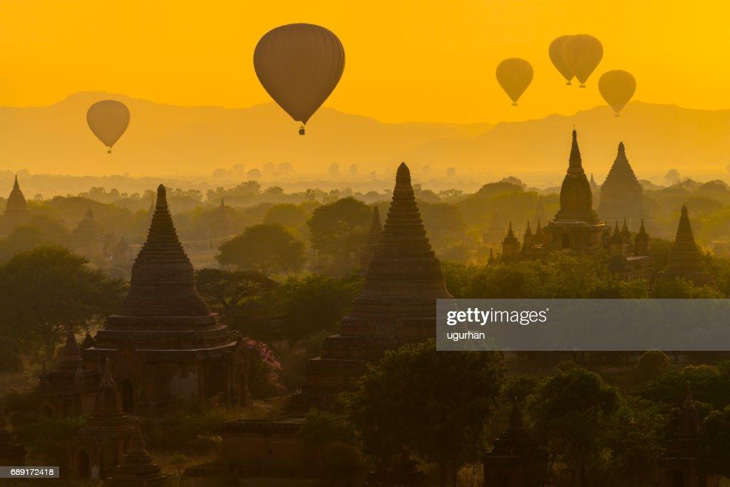 Hot air balloons in Bagan : Stock Photo