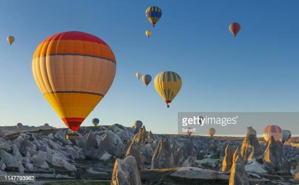 カッパドキアの熱気球、トルコ - カッパドキア ストックフォトと画像