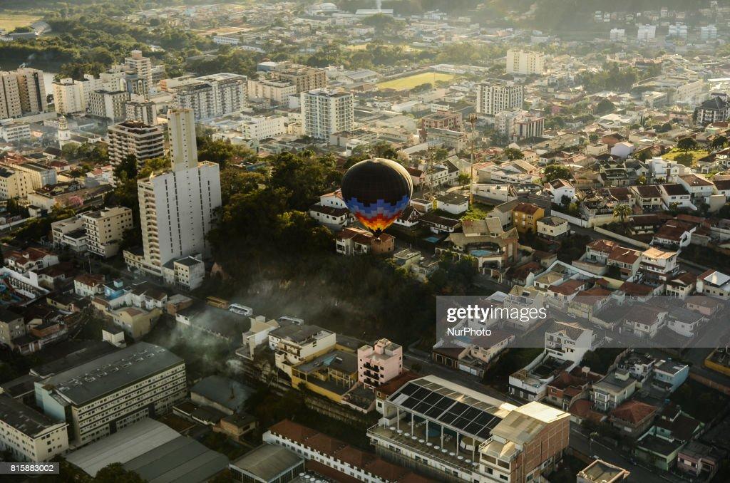 Hot air balloons in Sao Lourenco : News Photo