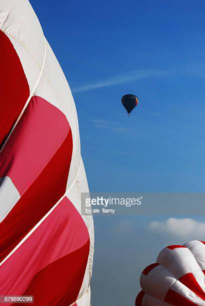 hot air baloon - weather balloon stock pictures, royalty-free photos & images