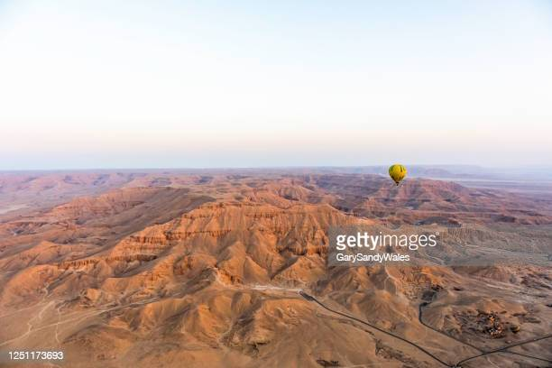 hot air baloon ride - luxor thebes stock pictures, royalty-free photos & images