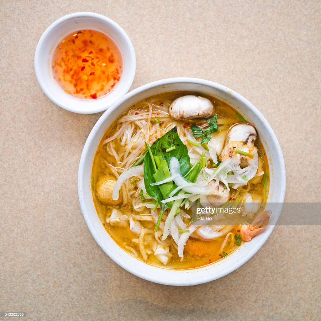 Hot And Spicy Seafood Pho Noodle Soup Overhead Stock-Foto - Getty Images