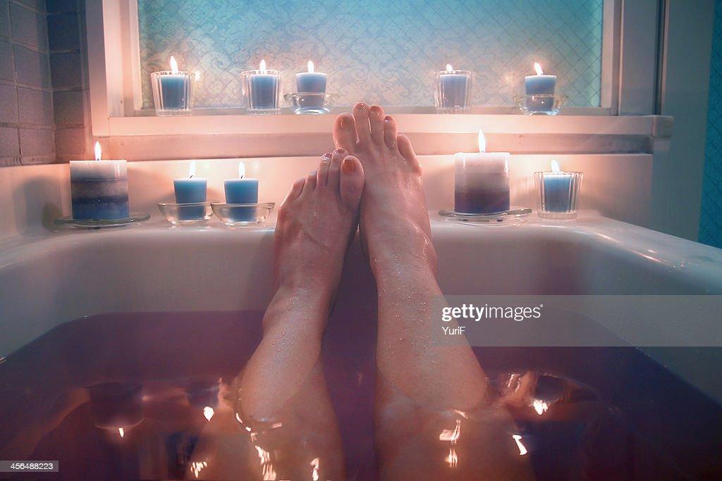 Hot bath and candles. : ストックフォト