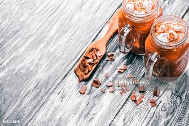 Heiße Schokolade in Einweckgläser