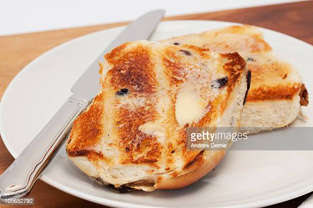 hot cross buns - hot cross bun stock pictures, royalty-free photos & images