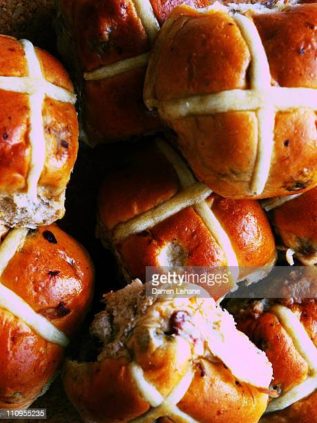 hot cross buns piled up - hot cross bun stock pictures, royalty-free photos & images