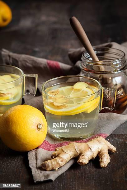 Hot lemon-ginger infusion with honey