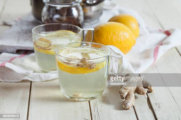 Hot lemon-ginger infusion with honey