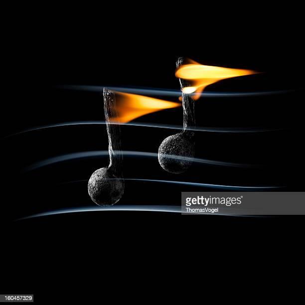 música ardiente-ardor fuego match para no fumadores - clave de sol fotografías e imágenes de stock