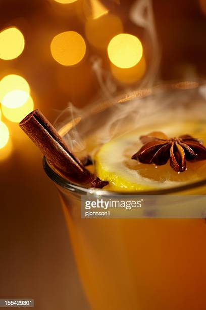 Hot rum See toddy