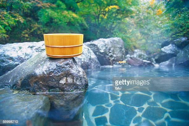 hot spring - 温泉 ストックフォトと画像