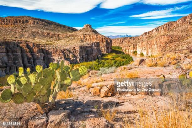 hot springs canyon and rio grande - texas stock-fotos und bilder