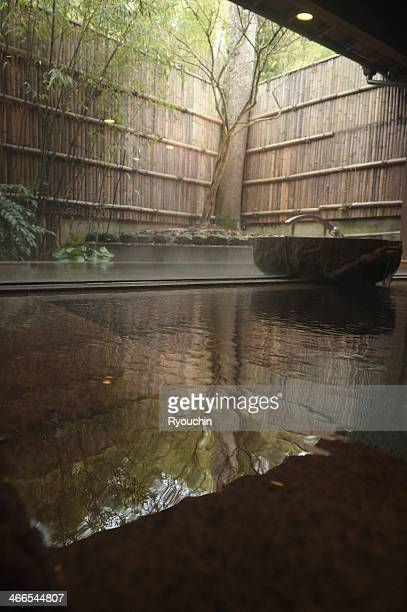 hot springs - 温泉 ストックフォトと画像