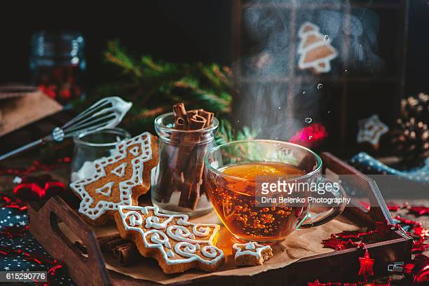 hot tea for cold winter evenings - tea hot drink stock pictures, royalty-free photos & images