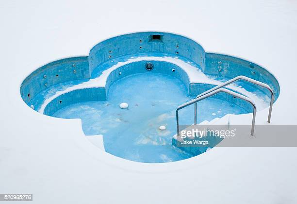 hot tub in the cold, michigan - jake warga fotografías e imágenes de stock