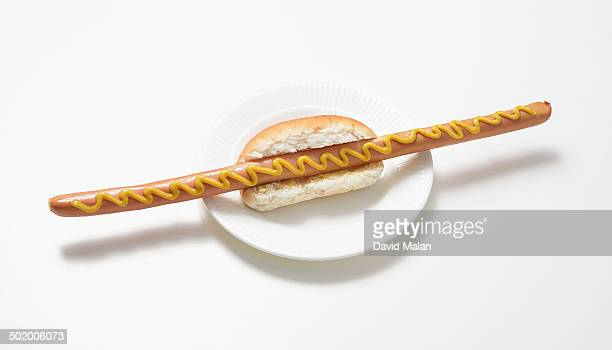 hotdog with extra long vienna sausage - extra long stock pictures, royalty-free photos & images