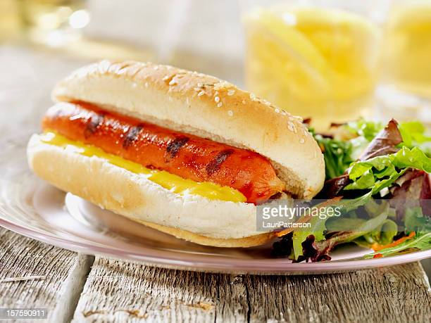 bbq hotdog with spring salad - side salad stock pictures, royalty-free photos & images