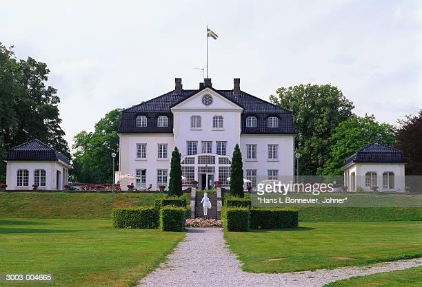 hotel and garden - dalsland - fotografias e filmes do acervo