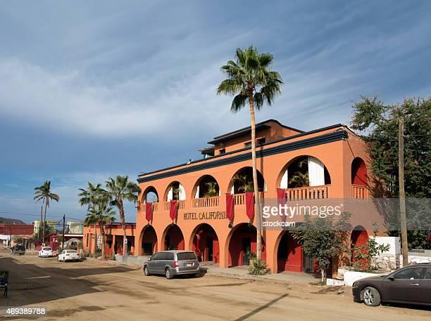 hotel de california en todas santos, baja california - todos santos mexico fotografías e imágenes de stock