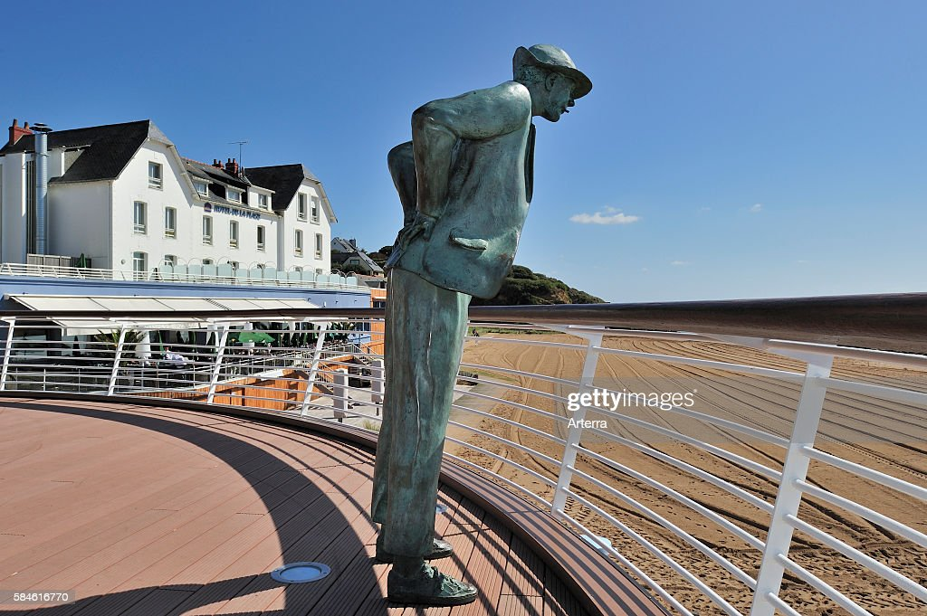 Hotel De La Plage And Statue Of Monsieur Hulot Character Played By News Photo Getty Images
