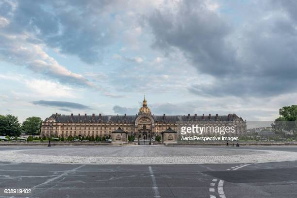 hotel des invalides, paris, france - カルチェデザンヴァリッド ストックフォトと画像