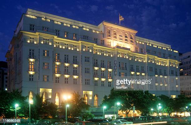 hotel in rio de janeiro - copacabana rio de janeiro stock-fotos und bilder