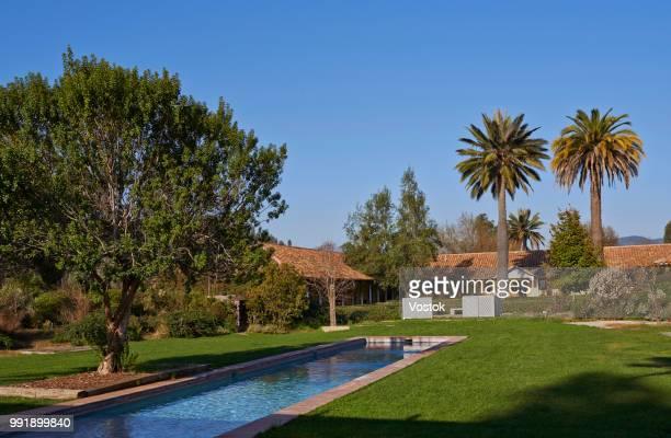 hotel in the chilean vineyards - casa estilo rancho fotografías e imágenes de stock