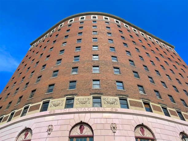 Hotel Niagara in downtown Niagara Falls